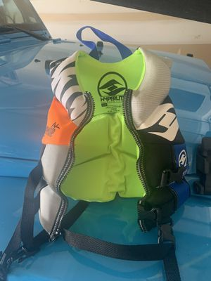 Life jacket new for Sale in St. Louis, MO