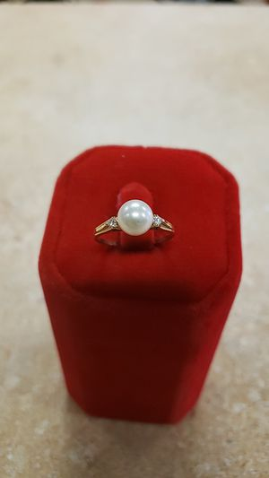 14k Yellow Gold Pearl and Diamond Ring for Sale in Newington, CT