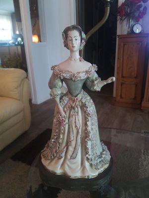 Beautiful antique lamp for Sale in Lakeland, FL