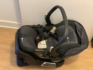 4moms infant car seat/self install base 0-12 months Pick up only located in NE DC area for Sale in Washington, DC