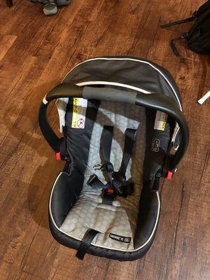 Graco snugride 35 along with its base in very good condition for Sale in VA HOSPITAL, TX