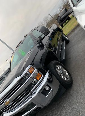 2015 Chevy Silverado 42k miles Huge Holiday Deals for Sale in Kingsport, TN