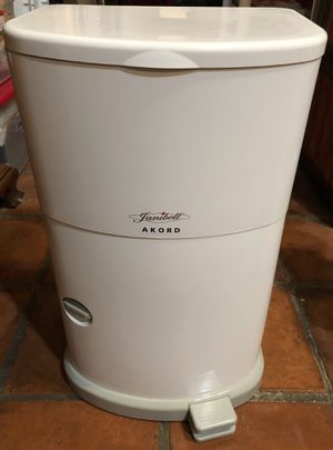 Janibell Akord Slim Pail Adult Diaper Disposal System Odor Free Diaper Genie with 3 refills holds over 750 Diapers for Sale in Farmers Branch, TX