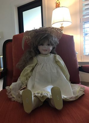 """DEE'S DOLLS Authentic Antique Porcelain Reproduction Doll """"Laughing Juneau"""" for Sale in Miami, FL"""