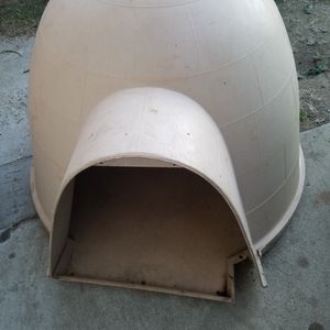 Dog House Igloo Medium To Large for Sale in Chino Hills, CA