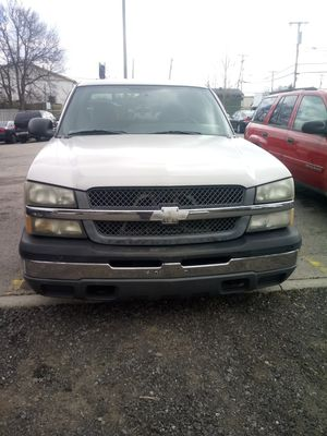2004 Chevy Silverado extended cab for Sale in Nashville, TN