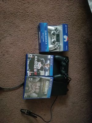 1tb ps4 2 games 2 controls for Sale in Denver, CO
