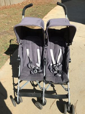 Maclaren Twin Triumph Double Stroller for Sale in Raleigh, NC