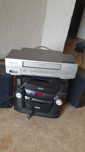 DVD player and radio with speakers for Sale in Miami Gardens, FL