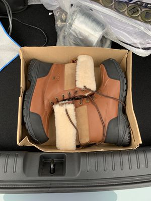 Men's UGG boots size 9 1/2 for Sale in Frederick, MD
