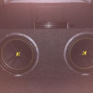 2 10in Kicker Subs With Amp for Sale in Boca Raton, FL