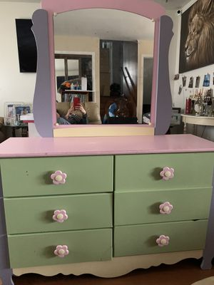 Dressing table with mirror for Sale in Springfield, VA