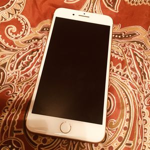 iPhone 8 Plus UNLOCKED 256GB for Sale in GRANT VLKRIA, FL