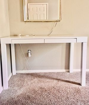 White Vanity Desk with Pullout Drawers for Sale in Phoenix, AZ