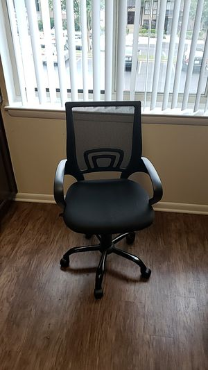 One roller office chair and six office chairs for Sale in Oakton, VA