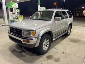 1998 Toyota 4 Runner Limited clean title 4WD for Sale in Northbrook, IL