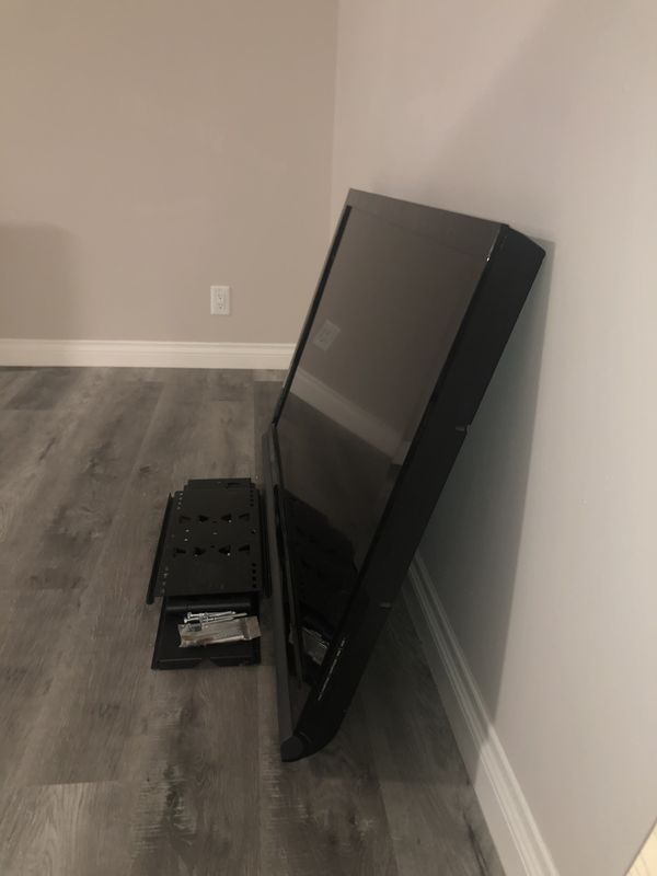 55inch VIZIO Plasma Tv w/ Remote & Wall Mount! ONLY $200
