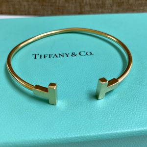 "Elegant Tiffany & Co. 18K Yellow Gold ""T"" Wire Bracelet!!!!!! for Sale in Pasadena, CA"
