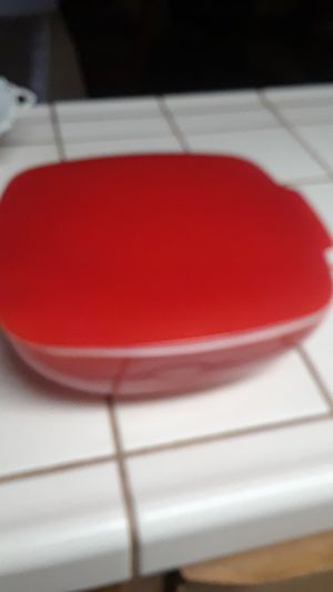 Pyrex With Lid 2.5 Quart for Sale in Fresno, CA