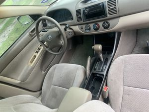 Toyota Camry 2004 ( engine locked up) for Sale in Houston, TX