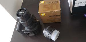 Nikon d3300 like new bundle 2 lenses for Sale in HALNDLE BCH, FL