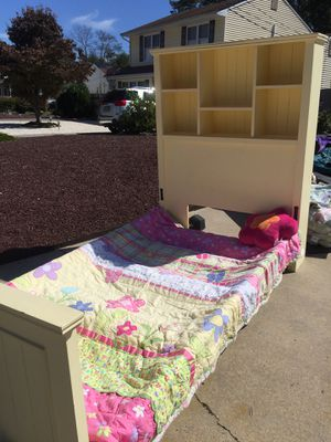 Twin bed with headboard shelving for Sale in Stafford Township, NJ