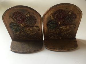 Cast Iron Flower Bookends 1920s for Sale in Tacoma, WA