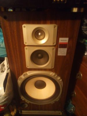 Nice set of house speakers 12 inch for Sale in Cleveland, OH