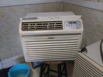 2 window AC units 110v for Sale in Canton,  IL