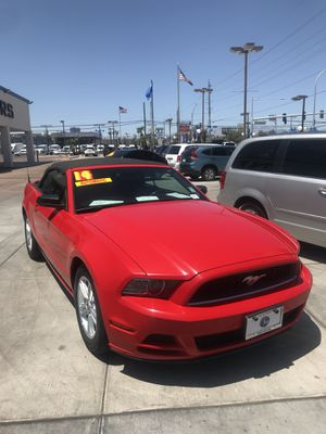 2014 MUSTANG CONVERTIBLE for Sale in Las Vegas, NV