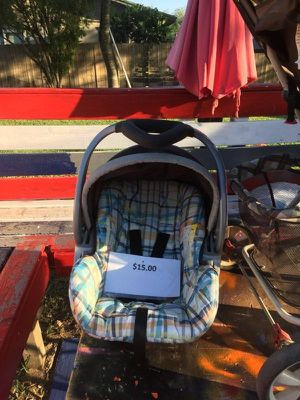 Car seat $10 no base for Sale in Mercedes, TX
