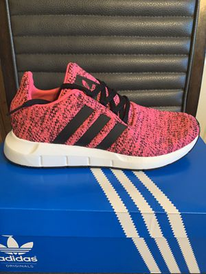 Brand new adidas swift run size 6.5Y with box for Sale in San Antonio, TX