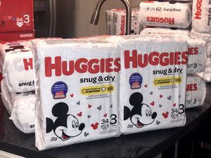 HUGGIES SNUG & DRY DIAPERS SIZES 3/4/5/6 $5 EACH BAG for Sale in Sunny Isles Beach, FL