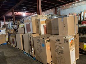 Kitchen and bathroom cabinets *NEW* for Sale in Cleveland, OH