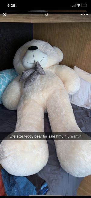 Life size teddy bear for Sale in Coconut Creek, FL