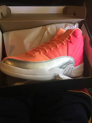 Retro 12 pink racer whit hot punch size 7 for Sale in Cleveland, OH