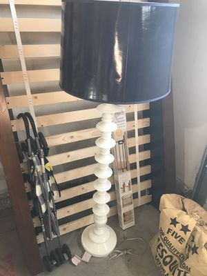 Crate and barrel floor lamp for Sale in Lake View Terrace, CA
