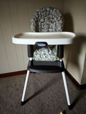 High chair for Sale in Quincy, IL