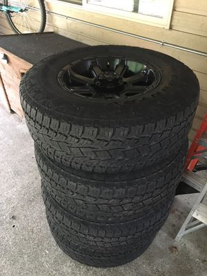 Toyo Open Country AT tires w/ black Crusher rims. 265/70/R16 for Sale in Marysville, WA
