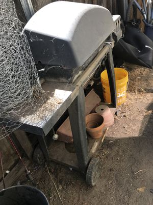 Free bbq grill for Sale in Modesto, CA