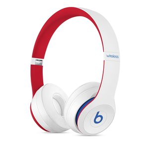 Brand new unopened white beats solo 3 club collection for Sale in Cheshire, CT
