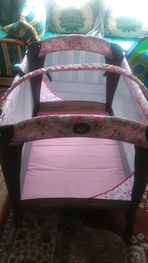 Baby graco crib for girl for Sale in Richmond, VA