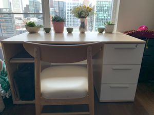 Wooden Desk and Chair w/ built in drawers for Sale in Boston, MA