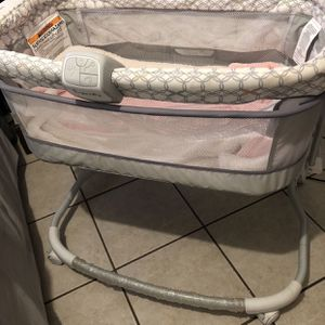 Baby Bassinet And Minnie Mouse Chair Bundle for Sale in Tucson, AZ