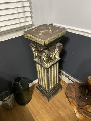 Column plant holder for Sale in Brooklyn, NY
