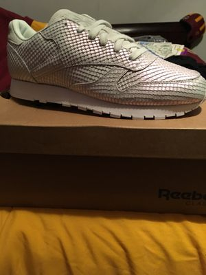 Tennis white Reebok for Sale in Halethorpe, MD