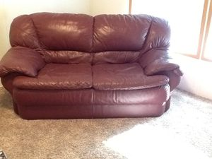 Leather couch for Sale in Federal Way, WA
