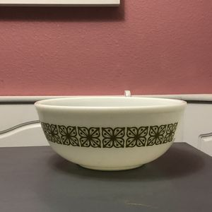 Vintage Pyrex ovenware bowl for Sale in Riverside, CA