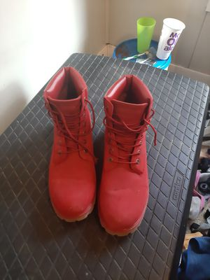 Size 10.5 red lugz convoy boots for Sale in Decatur, IL