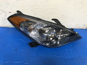 2004 2006 TOYOTA SOLARA RH HEADLIGHT HALOGEN RIGHT SIDE for Sale in Los Angeles, CA